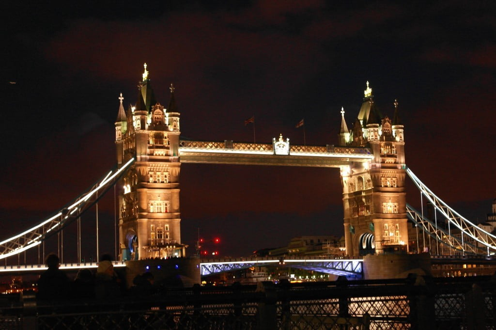 Tower Bridge: Day and Night in Photos