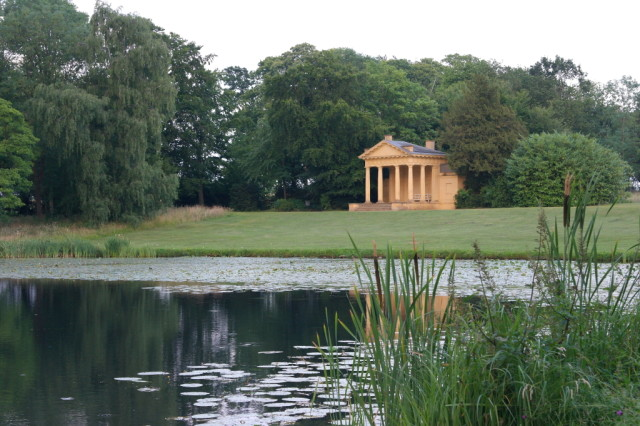 Lake and pavilion Stowe Gardens