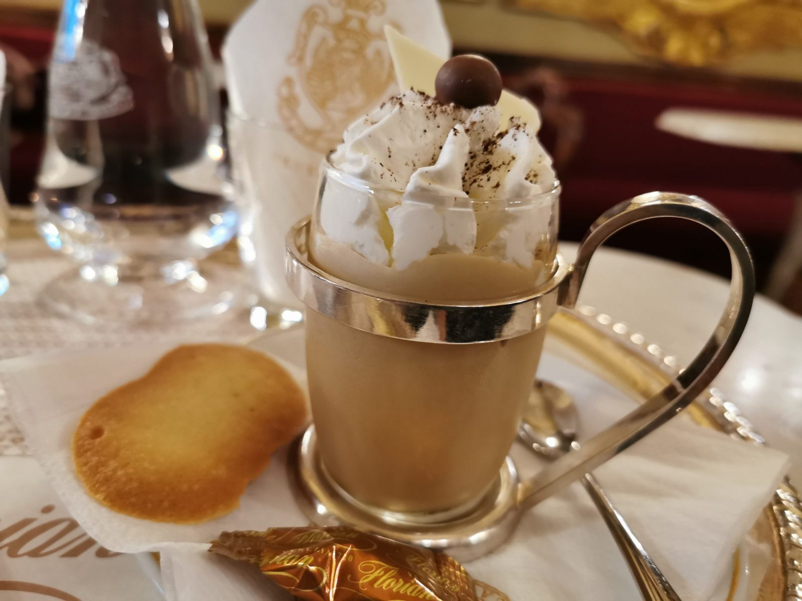 Frozen Florian - Cold coffee cream with whipped cream, €13.50