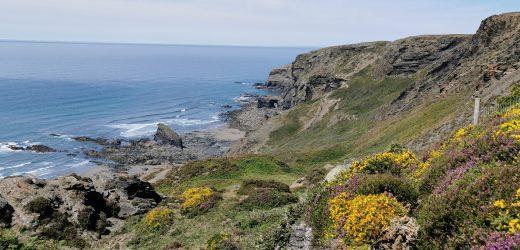 The Strangles Beach & Trail: A Hidden & Quiet Beach in Cornwall