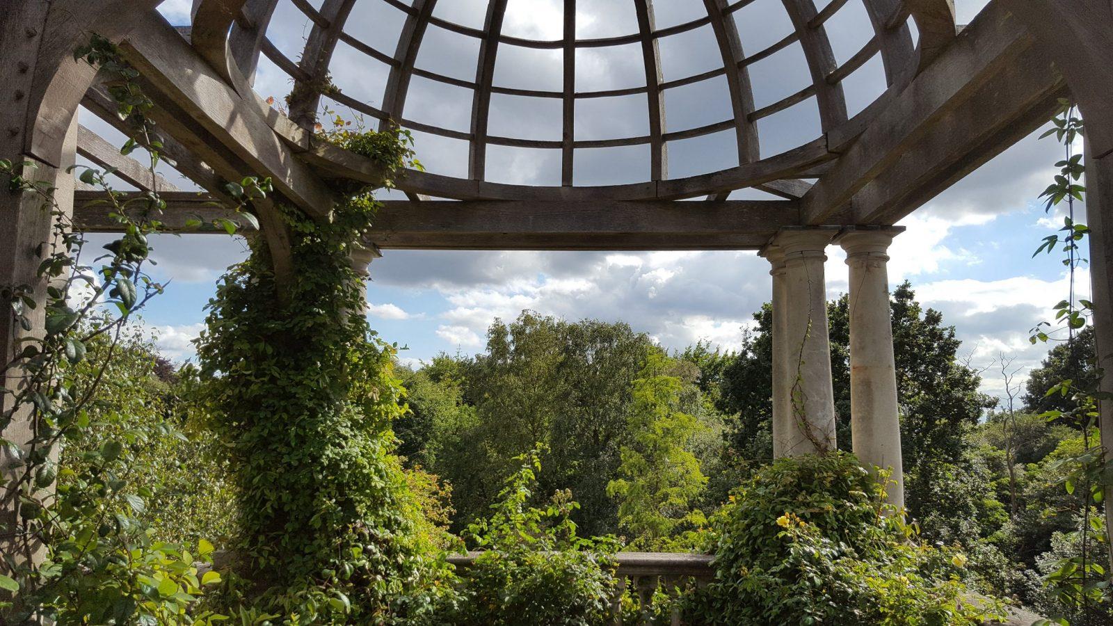 Visiting Hill Garden & Pergola, Hampstead Heath: Photo Gallery 2