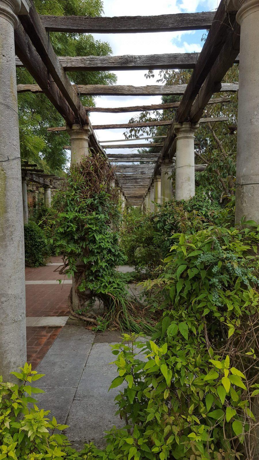 Visiting Hill Garden & Pergola, Hampstead Heath: Photo Gallery 4