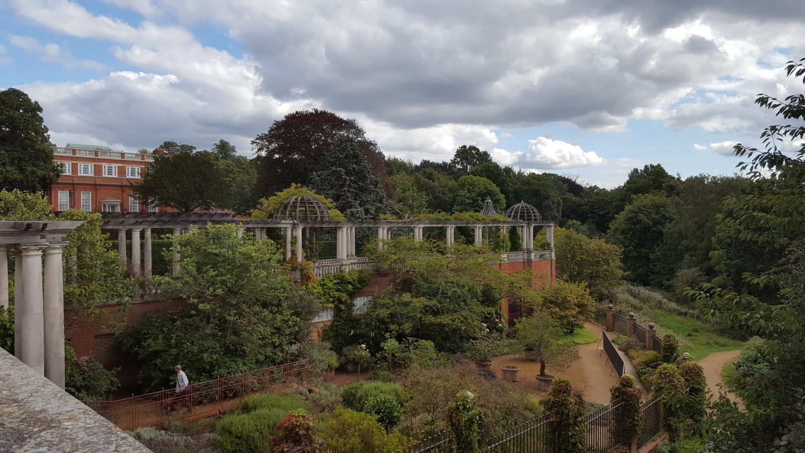 Visiting Hill Garden & Pergola, Hampstead Heath: Photo Gallery 5