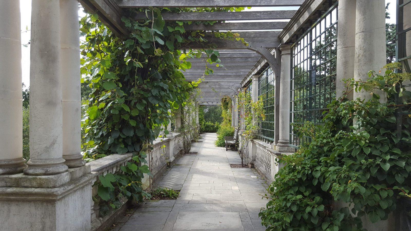 Visiting Hill Garden & Pergola, Hampstead Heath: Photo Gallery 12